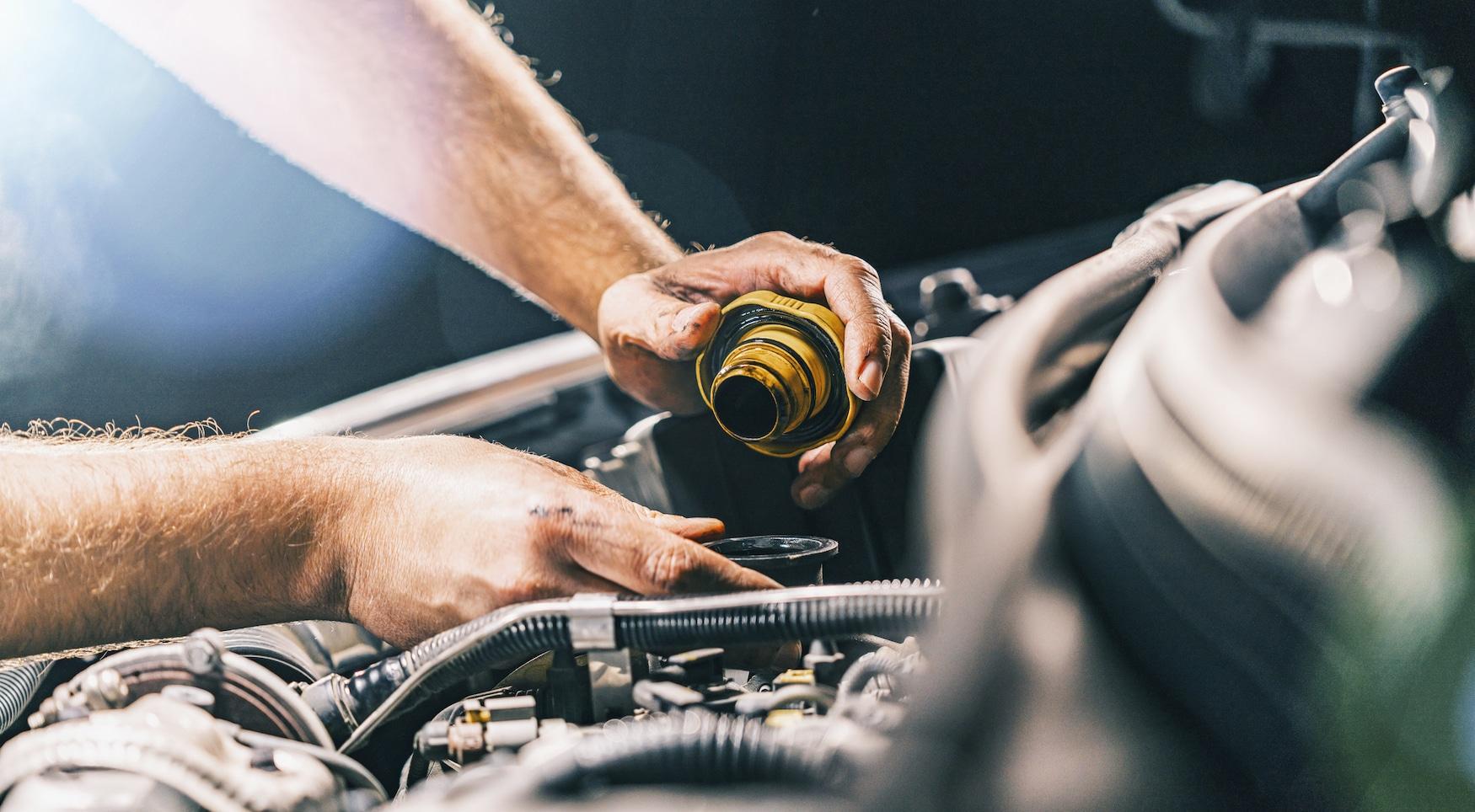 engine-maintenance-oil