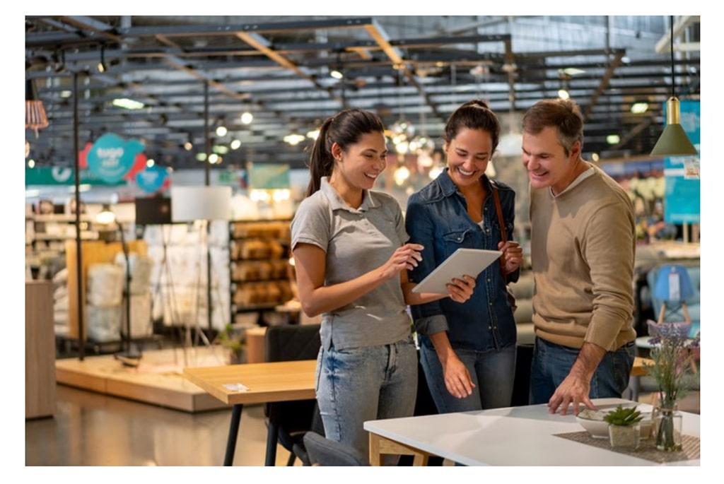 Ema Lp Image Reinventing Retail Quick Guide 02